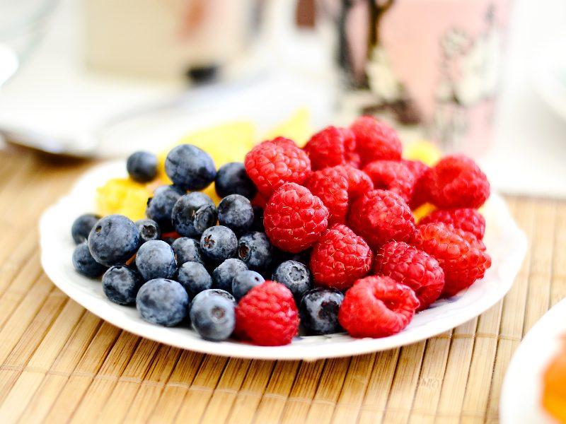 Los antioxidantes son moléculas que combaten los radicales libres en tu cuerpo.